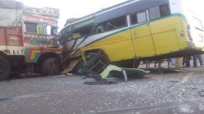 thirty five injured, bus truck collision, Himachal Pradesh, Solan, latest national news updates, him