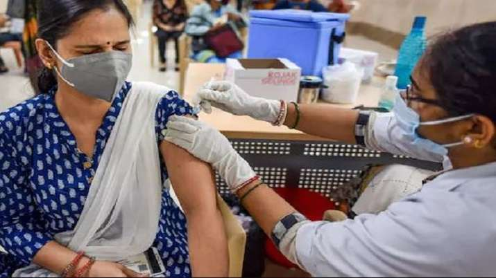 COVID-19: Maharashtra claims new record by vaccinating over 10.96 lakh people in day