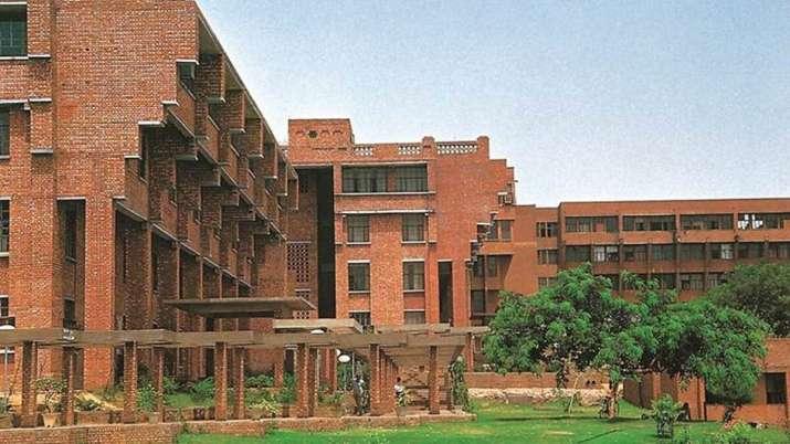 Delhi: 26-year-old woman dies in JNU campus, police suspect