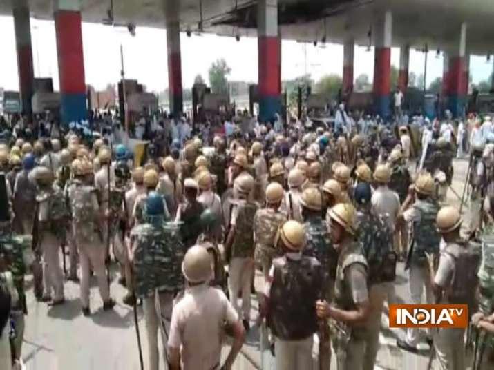 Haryana Police lathicharge, farmers protest, haryana police, roads blocked, bastara toll plaza, mano