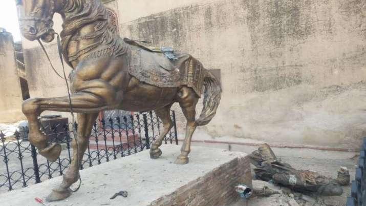 maharaja ranjit singh statue, pakistan, lahore, lahore news