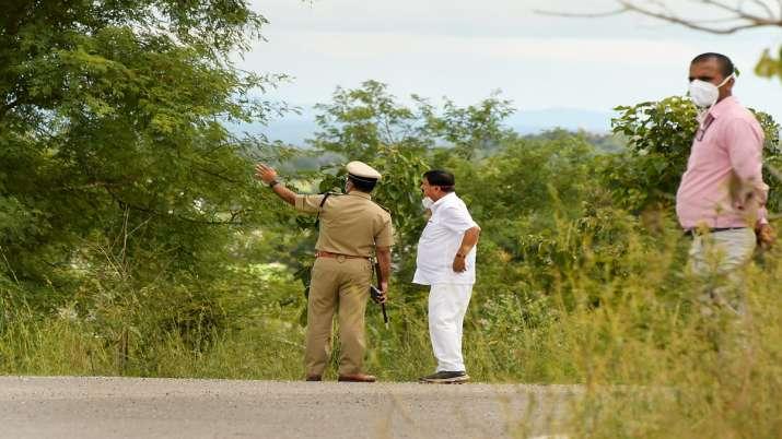 Karnataka Home Minister Araga Jnanendra visits tthe scene