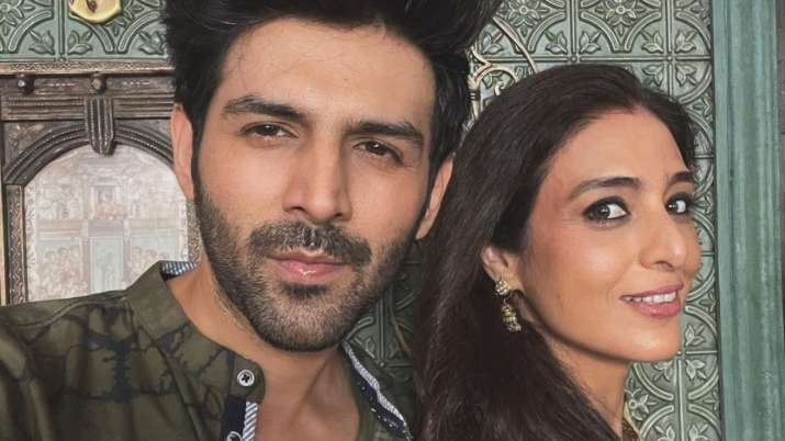 Kartik Aaryan shares adorable selfie with Tabu as they resume 'Bhool Bhulaiyaa 2' shooting