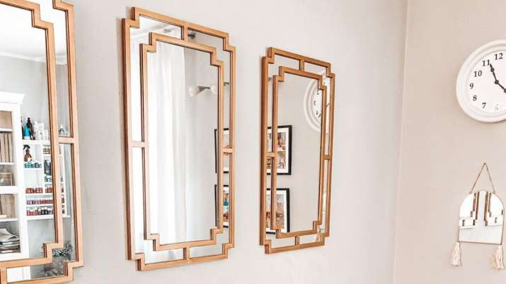 Vastu Tips: Do not keep a damaged mirror at home, here's why
