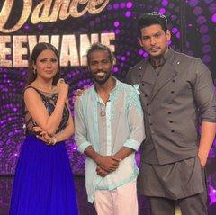 India Tv - Shehnaaz Gill and Sidharth Shukla on Dance Deewane 3 sets