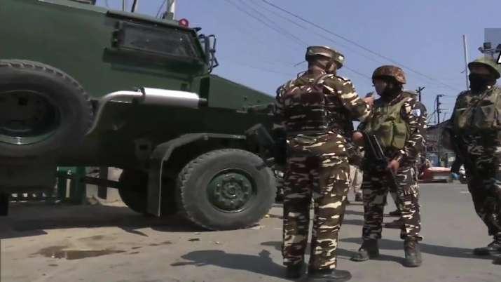 Civilians injured in grenade attack by militants in Srinagar