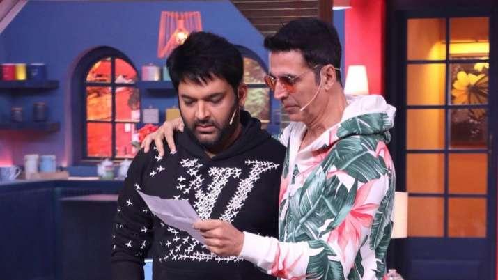 The Kapil Sharma Show: Akshay Kumar calls Shah Rukh Khan to fulfil fan's wish