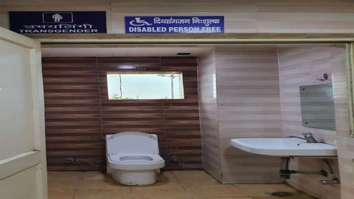 Delhi Metro, delhimetro provision, separate toilet, transgenders, metro stations, latest national ne