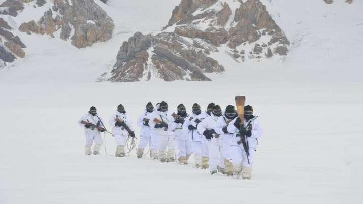 India Tv - Swarnim Vijay Victory Flame reaches Siachen Glacier