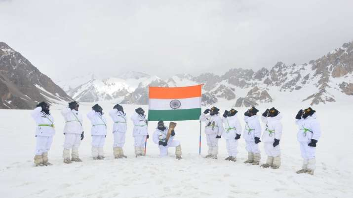 Swarnim Vijay Victory Flame reaches Siachen Glacier