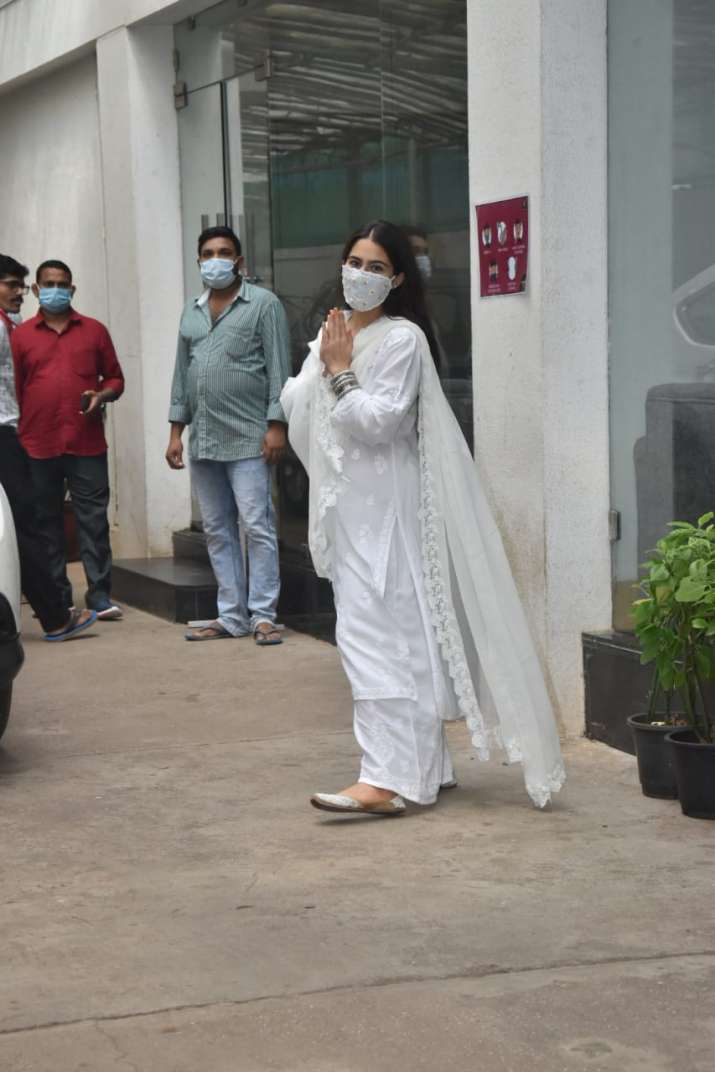 India Tv - Sara Ali Khan spotted at Sunny Super Sound