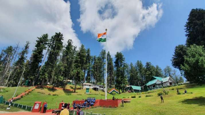 Army installs 100 feet tall tricolour in Jammu and