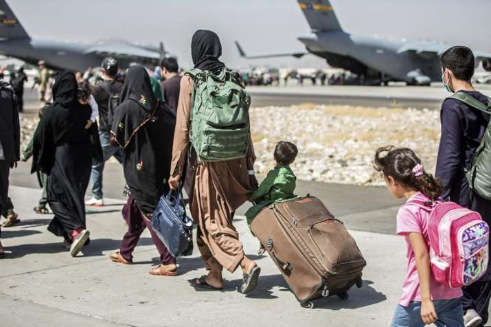 Afghanistan: Pause in evacuee flights to US extended by 7 days
