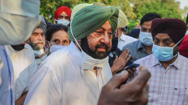 Amarinder Singh changes Twitter bio, drops Congress symbol