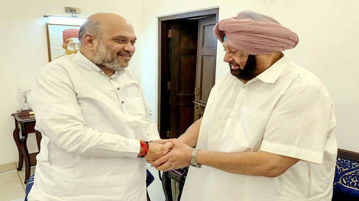 Former Punjab Chief Minister Amarinder Singh meets Union Home Minister Amit Shah in New Delhi.