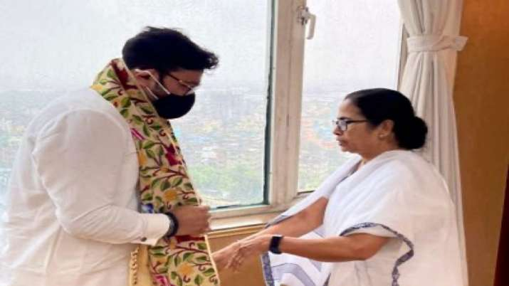 Babul Supriyo Mamata Banerjee TMC Didi asked me work with all my heart sing with all my heart latest bengal updates