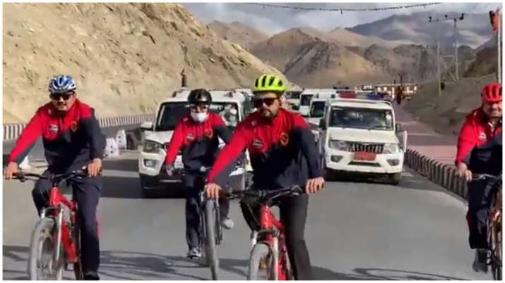 अनुराग ठाकुर साइकिल रैली