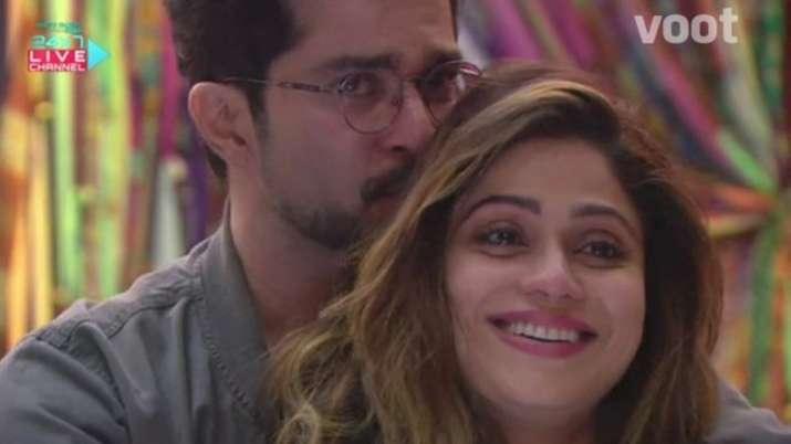 Raqesh Bapat's sister reacts to his 'cute moments' with Shamita Shetty