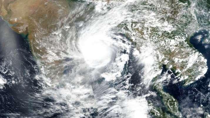Cyclone Gulab landfall LIVE: Rainfall starts in parts of Andhra Pradesh, Odisha; PM speaks to CMs