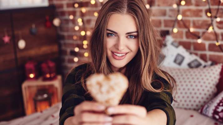 5 conversation starter topics for your virtual date