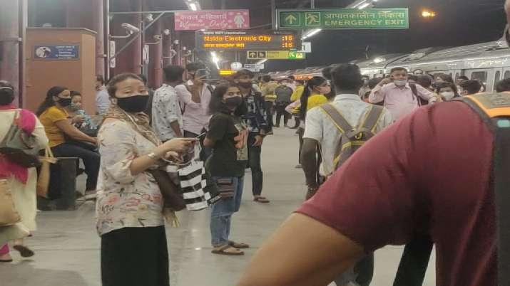 India Tv - delhi metro