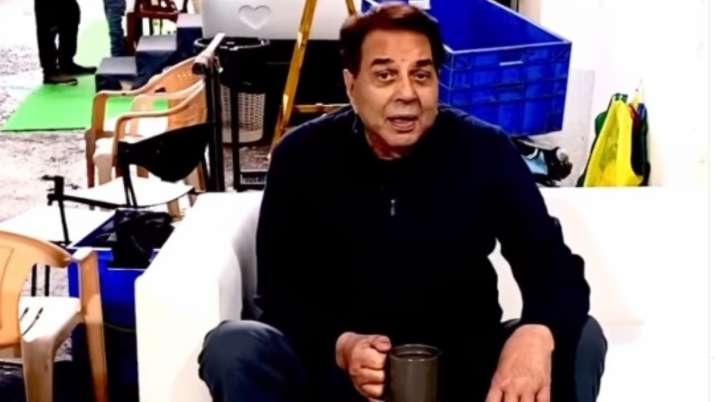 Dharmendra happy to be on the sets of 'Rocky Aur Rani Ki Prem Kahani' | VIDEO