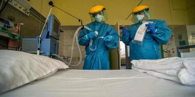 doctors remove tumor