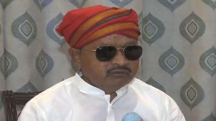 Stomach upset: JDU MLA Gopal Mandal after passengers object
