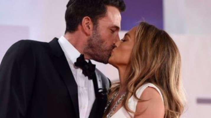 Jennifer Lopez, Ben Affleck not following each other on Instagram