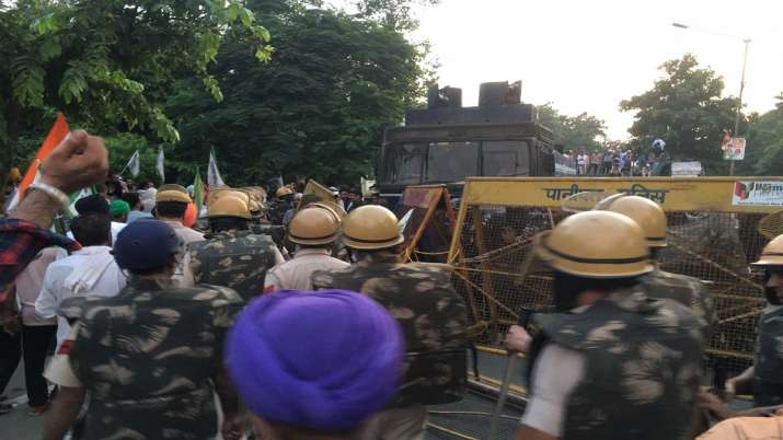 India Tv - Karnal, farmers, Rakesh Tikait, Haryana