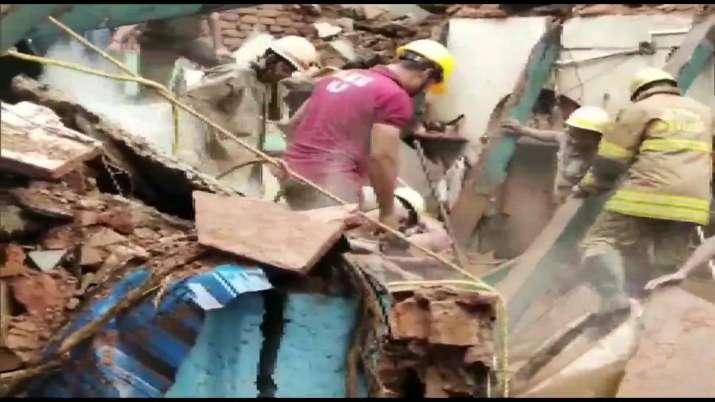 Kolkata building collapse, residents killed, latest national news updates, building collapse news up