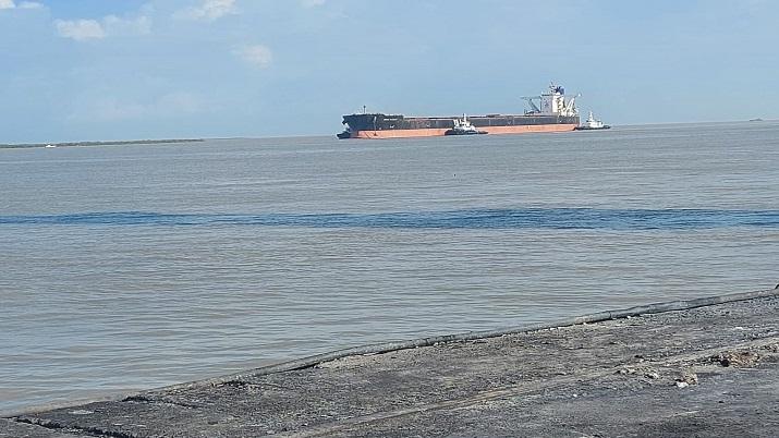 The vessel 'MV Berge Nyangani' carried 1,05,000 MT of