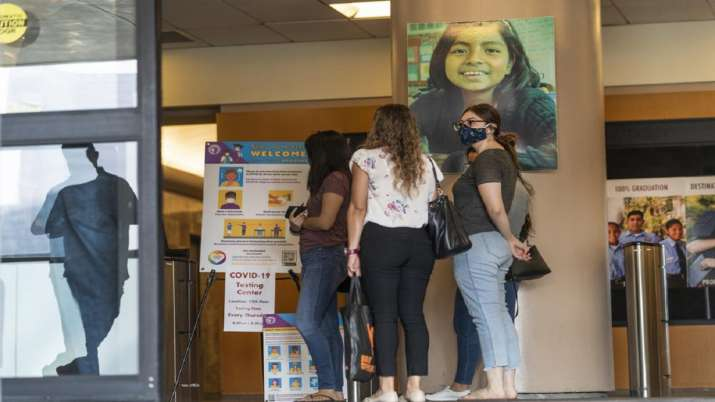 Los Angeles schools mandate vaccines for students 12 and