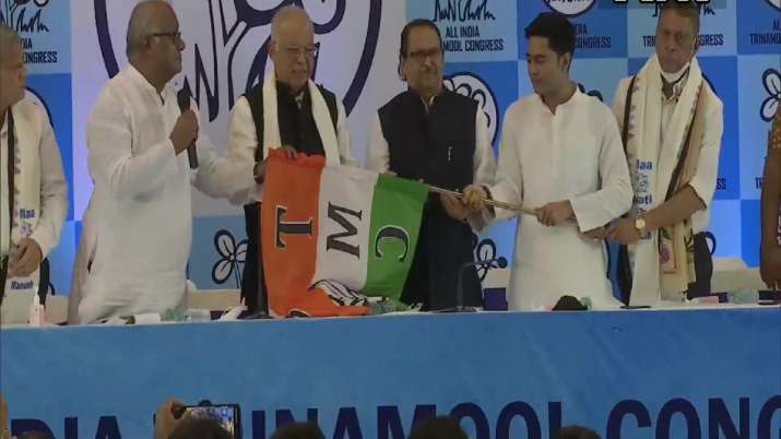Former Goa CM Luizinho Faleiro joins Trinamool Congress