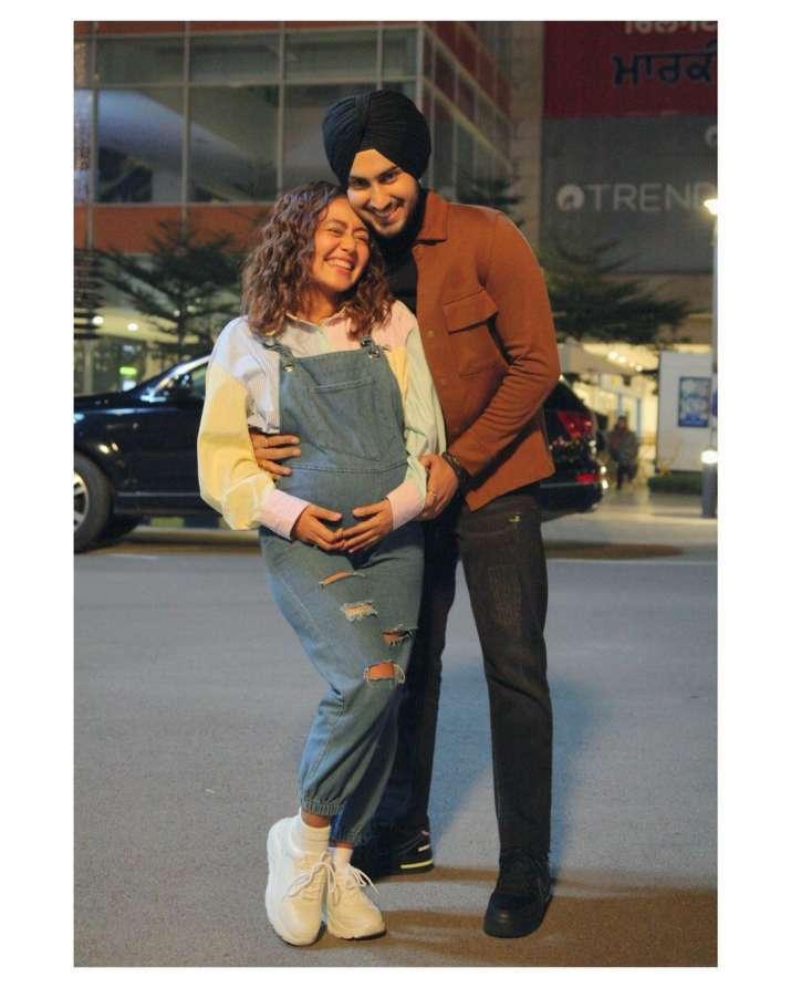 India Tv - Neha Kakkar and husband Rohanpreet Singh