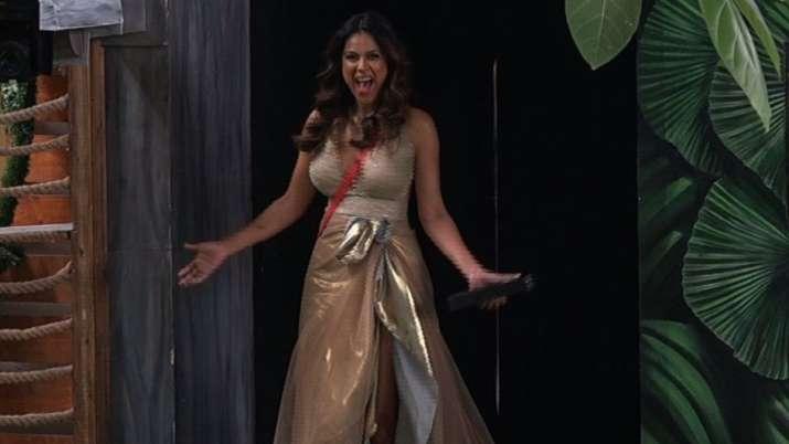 बिग बॉस ओटीटी: वाइल्ड कार्ड कंटेस्टेंट के रूप में निया शर्मा की एंट्री के लिए फैन्स बेहद उत्साहित, कहें 'आग लगा दूंगा'