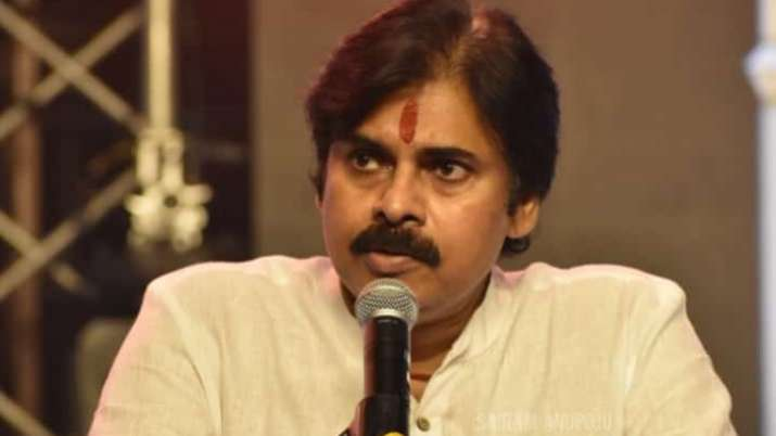 Pawan Kalyan's fans try to attack Posani, actor's war of words with Andhra ministers continue