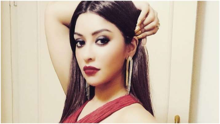 Payal Ghosh escapes 'acid attack'
