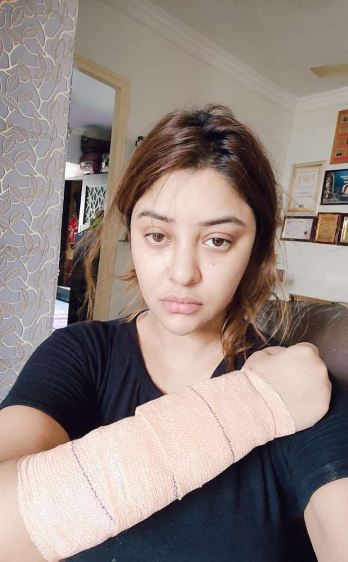 India Tv - Payal Ghosh escapes 'acid attack'