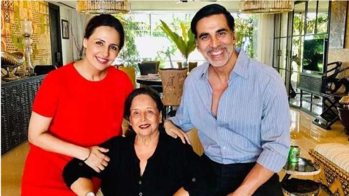 Akshay Kumar's mother passes away, actor pens emotional note