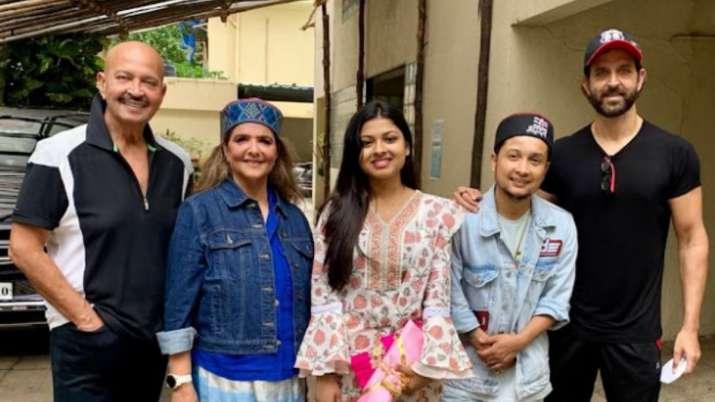 Indian Idol 12's Pawandeep Rajan-Arunita Kanjilal receive gifts from Hrithik Roshan's parents