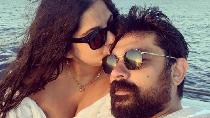 Newly-weds Rhea Kapoor-Karan Boolani honeymoon pics