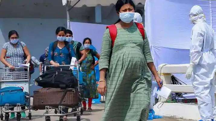 SC seeks Centre's reply on Covid-19 vaccination of