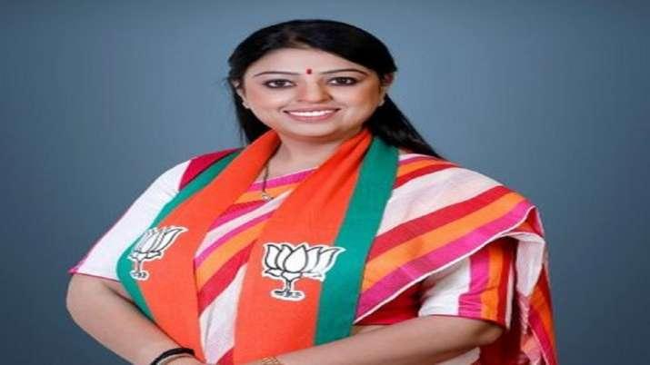 Priyanka Tibrewal, BJP, Mamata Banerjee, Bhabanipur by-poll, fight against, Mamata Banerjee news, Ma