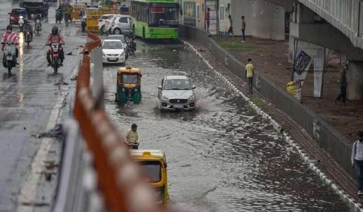 Heavy rain causes waterlogging in several areas across