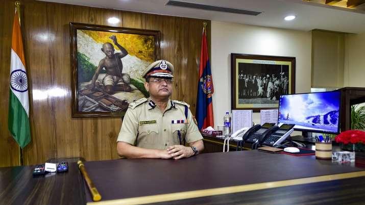 Delhi Police Commissioner Rakesh Asthana applauds Railway