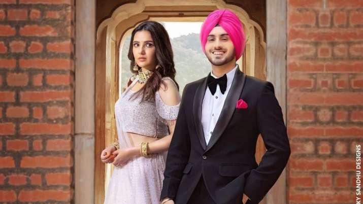 Rohanpreet Singh, Jasmin Bhasin song 'Peene Lage Ho' OUT