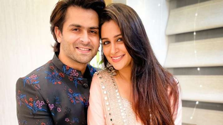 Dipika Kakar on pregnancy rumours: 'Wow, I am getting to know about the good news from you guys'
