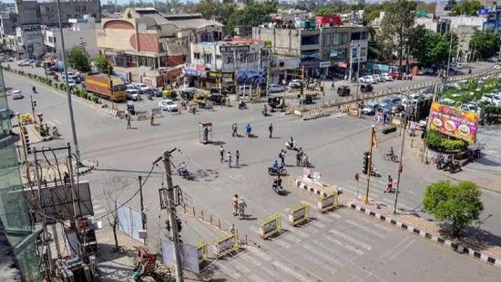 COVID, Karnataka, weekend curfew, border districts, latest national news updates, coronavirus pandem
