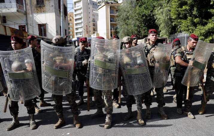 6 killed in Beirut clashes as tensions over blast probe soar